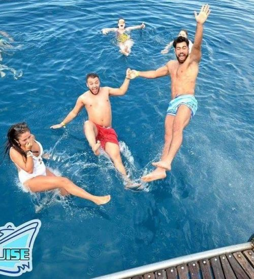 group-jump-party-boat-crete